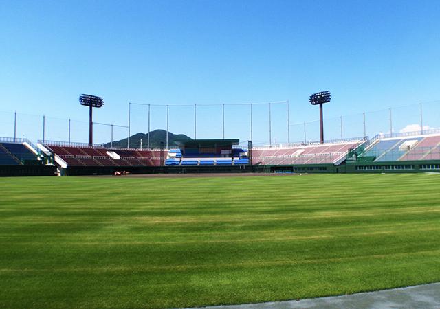 紀三井寺公園野球場メインスタンド改修電気工事