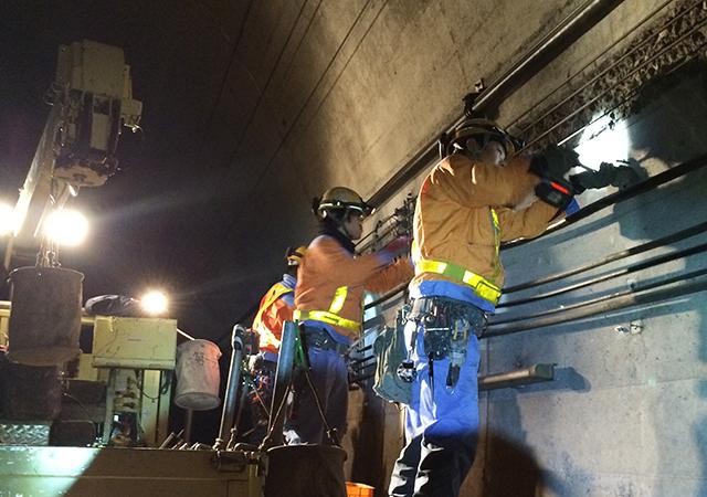 切目印南外トンネル用支持金具修繕