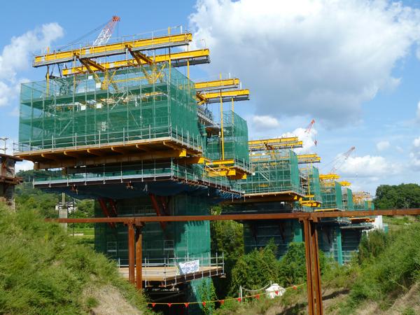 重谷川高架橋上部工事 工事用電源仮設工事